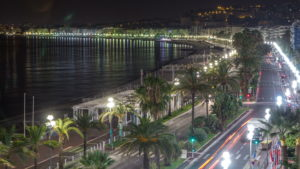 Vue aérienne de la Promenades des Anglais à Nice, lieu de l'attentat du 14 juillet 2016